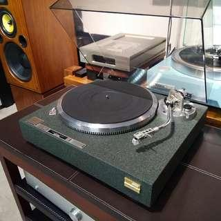 Technics SL-M2 Quartz Turntable