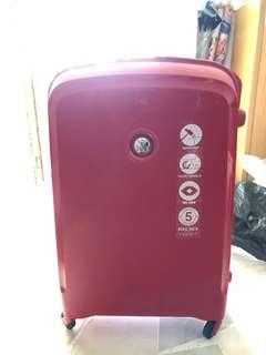 🚚 Brand new Delsey Belfort luggage in red