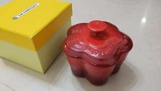 Le Creuset 迷你陶瓷鍋 焗盤 mini small flower ramekin w/lid cherry red 梳乎厘 法式燉蛋 布甸