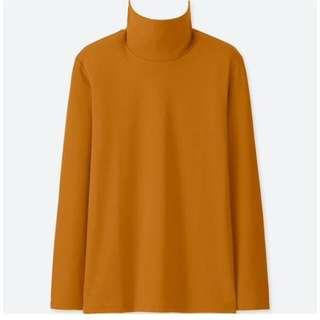 Uniqlo turtleneck top