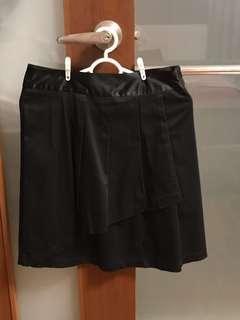 🚚 💁🏻♀️ Verge Black Skirt.