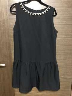 🚚 Black dress with pearl and beads