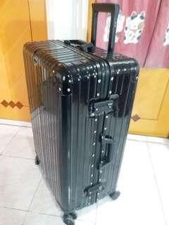 Luggage 29 cool black (must read description )