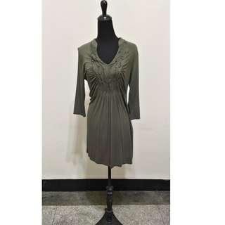 🚚 九成新~~美國製品牌 PINK ROSE 七分袖 軍綠色 洋裝 M 號