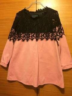 Korean pink and lace Top 韓國粉色加黑色 lace 上衣