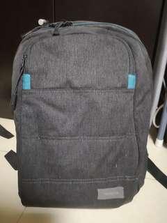 Targus灰色背包(新舊如圖)