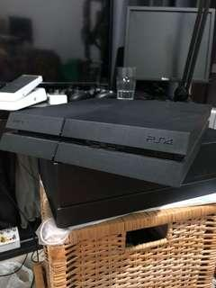 PS4 500GB, 2x Controllers