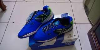 Sepatu Futsal Kelme Salsa Blue