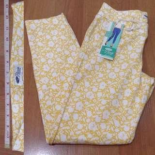 New:Old Navy floral yellow white capri pants