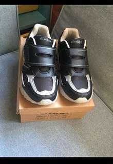Sneaker 👟 23.0 Size