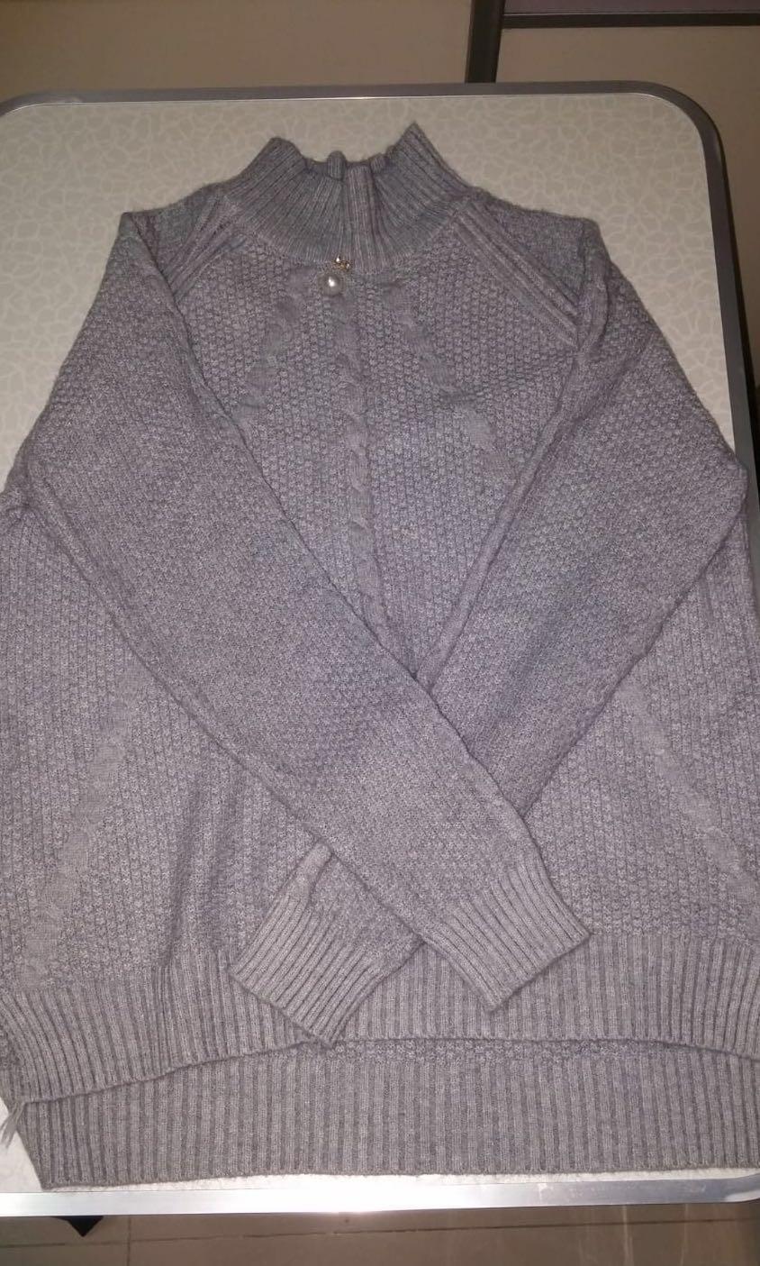 灰色樽領冷衫 加大 XL