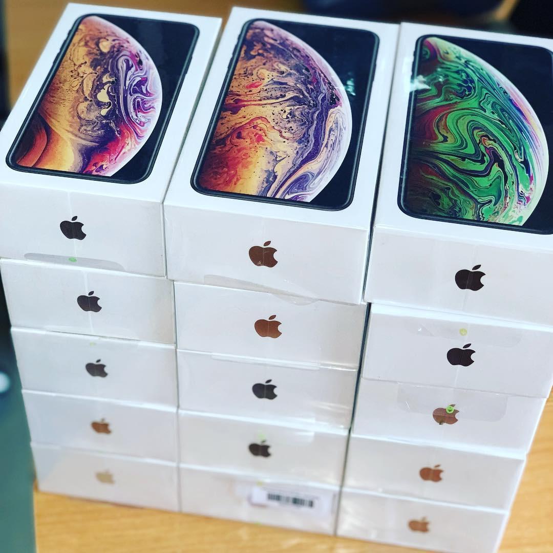 Apple iPhone Xs Max 512-GB Factory Unlocked 4G/LTE Smartphone International Version