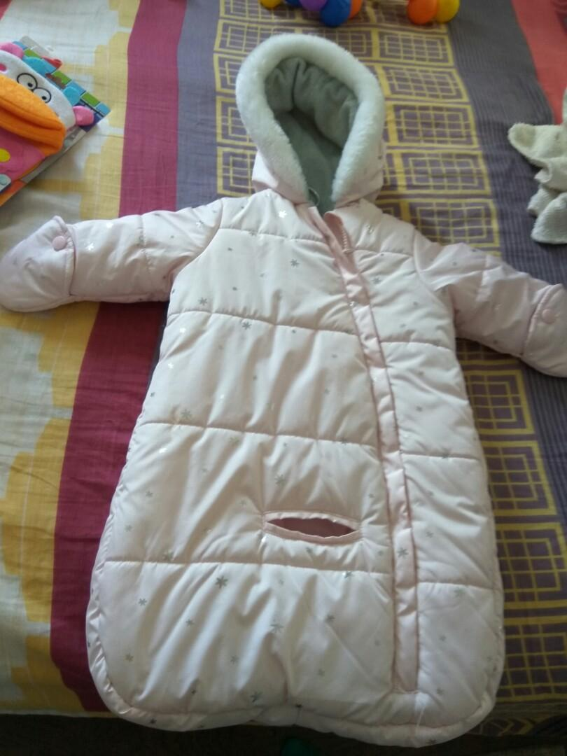 EUC 0-6 months girl snow suit
