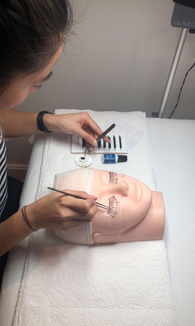 Eyelash Extensions Courses: Classic Training $399