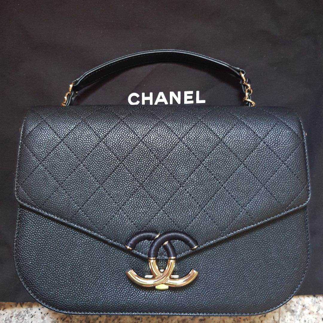 5a218a183b35 Authentic Chanel Caviar Calfskin Medium Flap SHW Top Handle Black ...