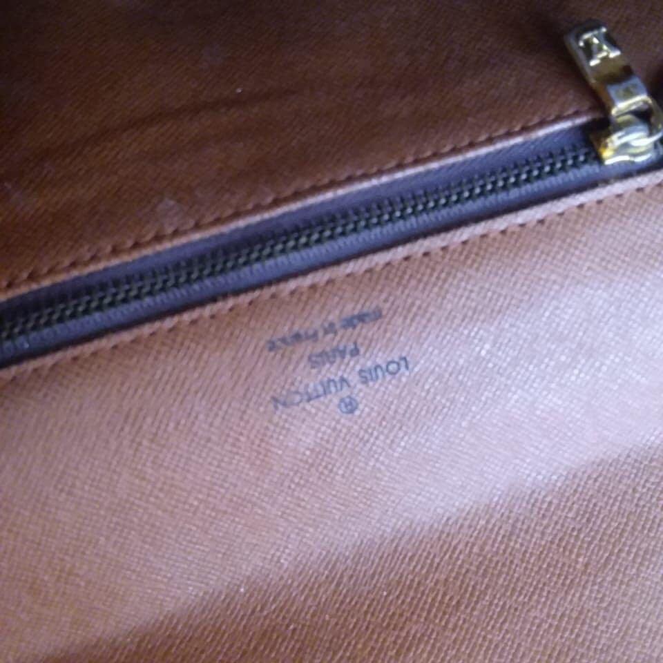 Louis Vuitton Sling Bag kulit asli ada nomor seri Like New Second terawat
