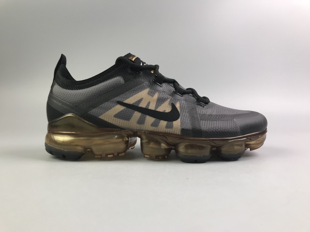 the best attitude 65b40 1f22e Nike Air Vapormax 2019 Gold Black, Men s Fashion, Footwear, Sneakers on  Carousell