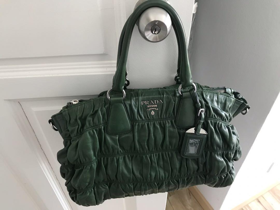 4b2fda160b1 Prada Tessuto Gaufre large tote, Women's Fashion, Bags & Wallets ...