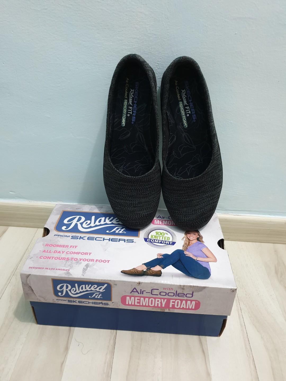 Skechers Flats, Women's Fashion, Shoes
