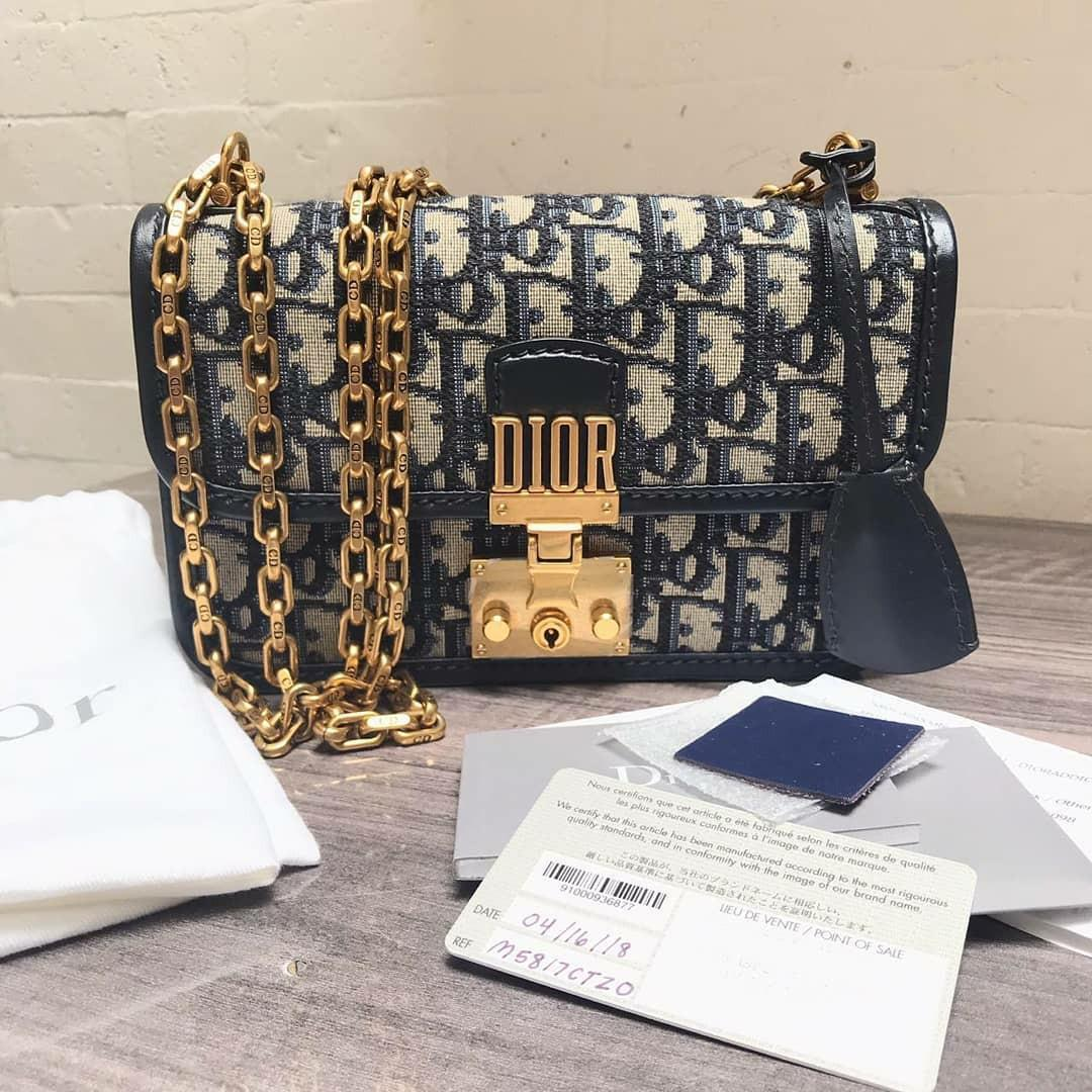 Used Twice • Dior Oblique Signature Canvas • DiorAddict Small Flap Bag in navy ghw