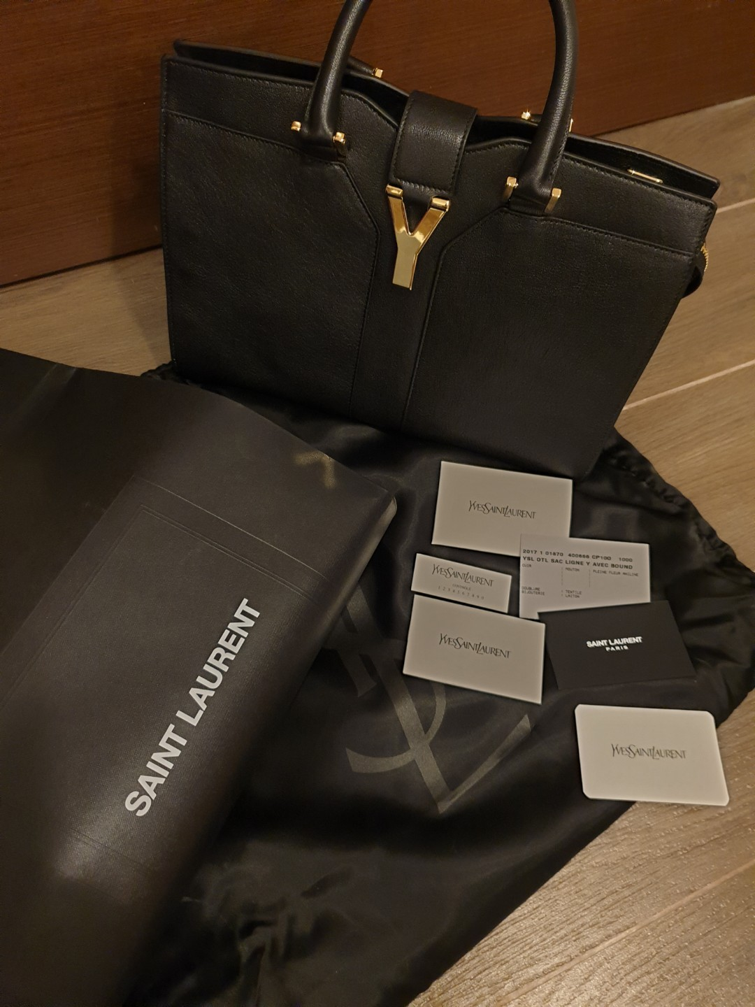 3e01392f979c YSL Saint Laurent small cabas chyc in black