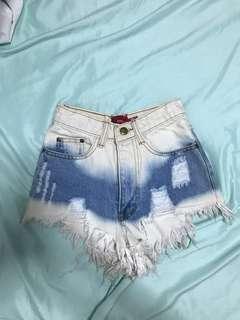 🚚 Ombré Denim Ripped Frayed Highwaist Shorts