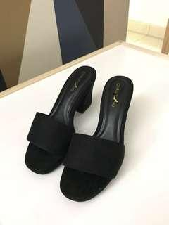 Edison in Black Shoe