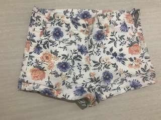 Celana pendek h&m bunga