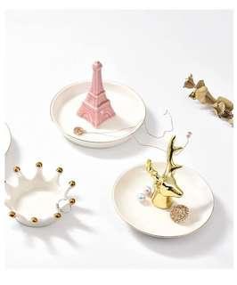 🌹Creative Animal Ceramic Jewelry Stand