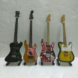 Kombo Guitar mini with stand
