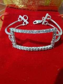 Bangle with Zircon