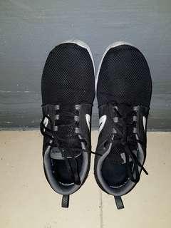 🚚 Sport shoe (free)