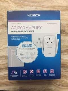 BRAND NEW LINKSYS RE6700 WIFI EXTENDER/AMPLIFIER (AC1200)
