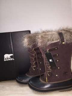 BNWT - SOREL Joan of arctic cattail boots