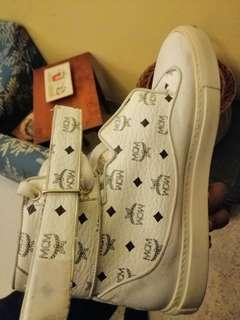 MCM HIGH TOP SNEAKERS (white)