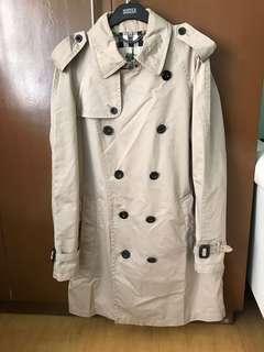 dd112e2c3c17 Burberry classic trench coat - size 48