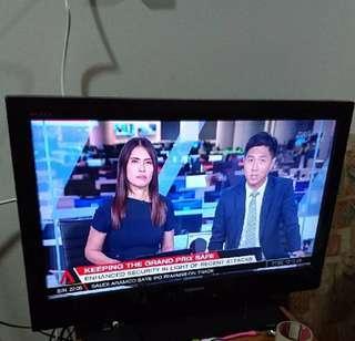 """Toshiba REDZA 32"""" TV"""
