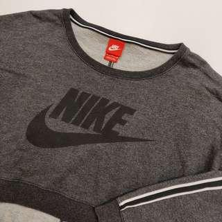 Nike Cropped Sweater