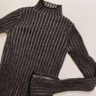 Aritzia Wilfred Bloy Turtleneck Sweater