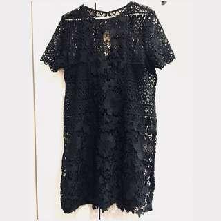 ❤️ZALORA Back Lace Dress (NEW with tag)