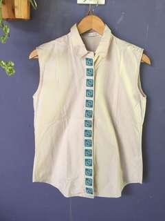 Minimal blouse