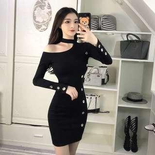 🚚 韓版性感時尚斜肩飽臀針織連身裙