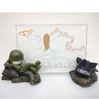 Soldier and bomb photo frame