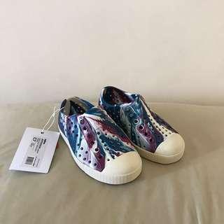 Authentic Native Kids shoes size C7