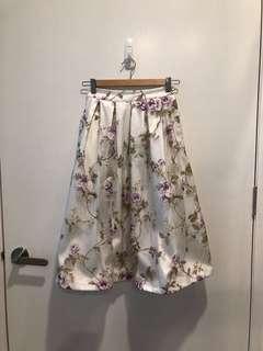 BN The Tinsel Rack TTR White Floral Chiffon Midi Skirt