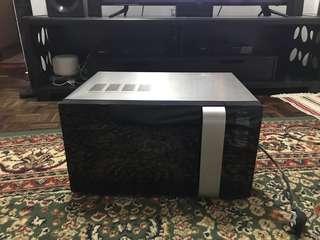 Becka Microwave Oven