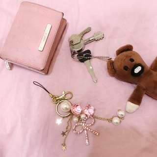 🚚 粉色閃亮蝴蝶結鑰匙圈、吊飾