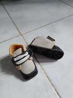 Sepatu bayi baby shoes import