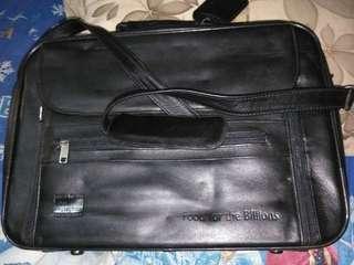 Tas kerja kulit premium