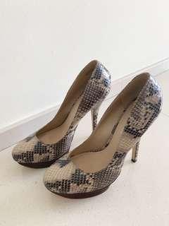 Used heels Aldo heels